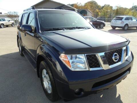 2006 Nissan Pathfinder for sale at PIONEER AUTO SALES LLC in Cleveland TN