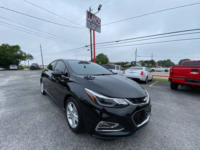 2018 Chevrolet Cruze for sale at LLANOS AUTO SALES LLC in Dallas TX