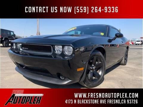 2013 Dodge Challenger for sale at Carros Usados Fresno in Clovis CA
