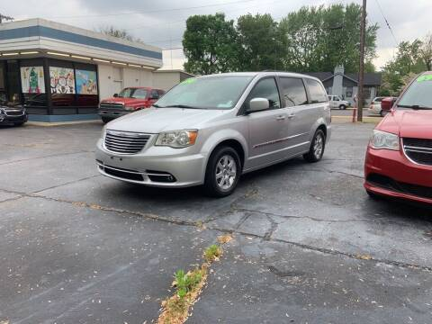 2011 Chrysler Town and Country for sale at Superior Automotive Group in Owensboro KY