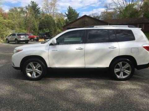 2013 Toyota Highlander for sale at Lou Rivers Used Cars in Palmer MA