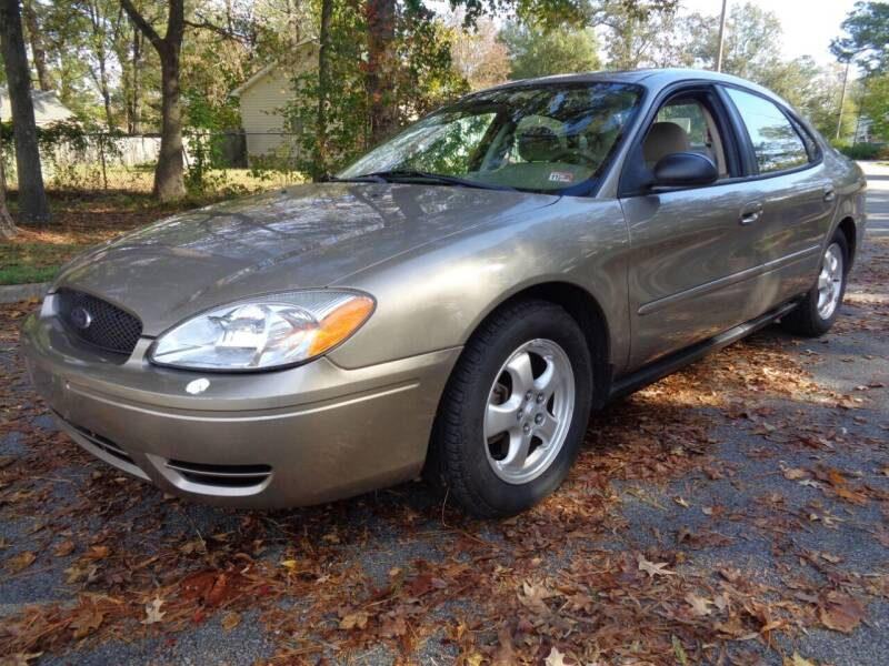 2005 Ford Taurus for sale at Liberty Motors in Chesapeake VA