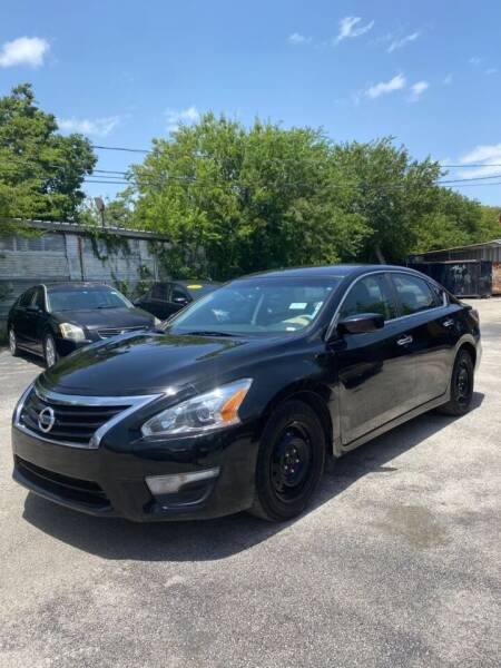 2014 Nissan Altima for sale at Centerpoint Motor Cars in San Antonio TX