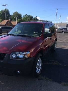 2005 Ford Escape for sale at Mike Hunter Auto Sales in Terre Haute IN