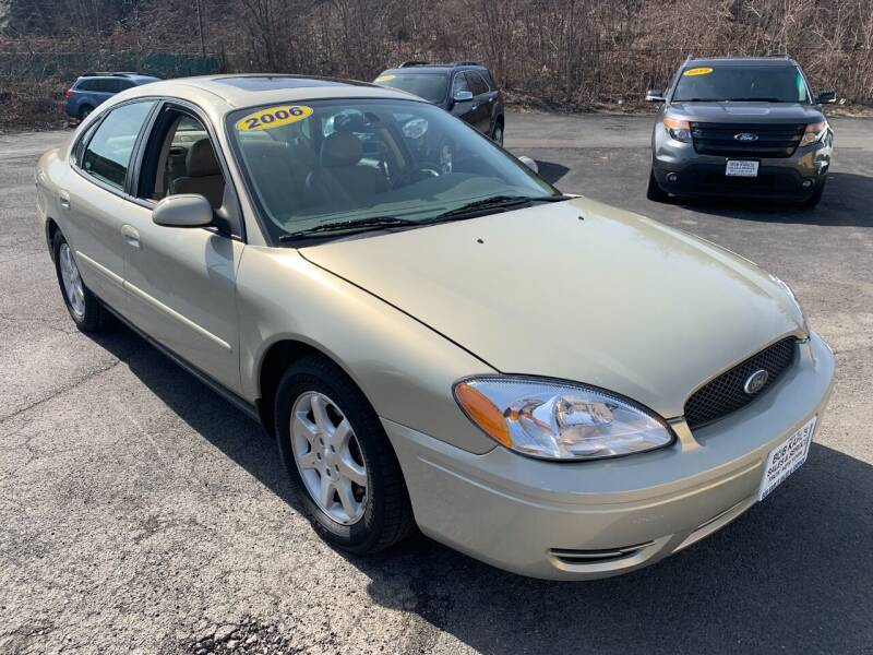 2006 Ford Taurus for sale at Bob Karl's Sales & Service in Troy NY