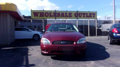 2005 Ford Taurus for sale at LONG BROTHERS CAR COMPANY in Cleveland OH