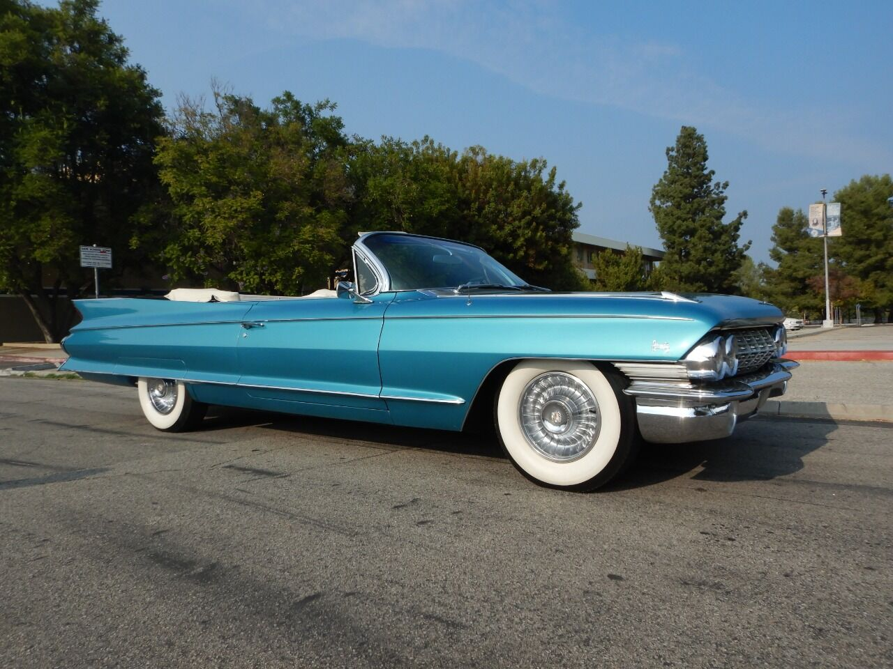 1961 Cadillac Eldorado Biarritz 1