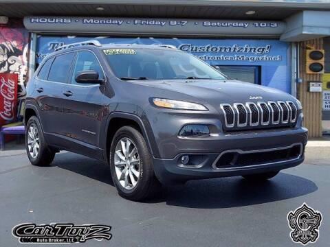 2018 Jeep Cherokee for sale at Distinctive Car Toyz in Pleasantville NJ