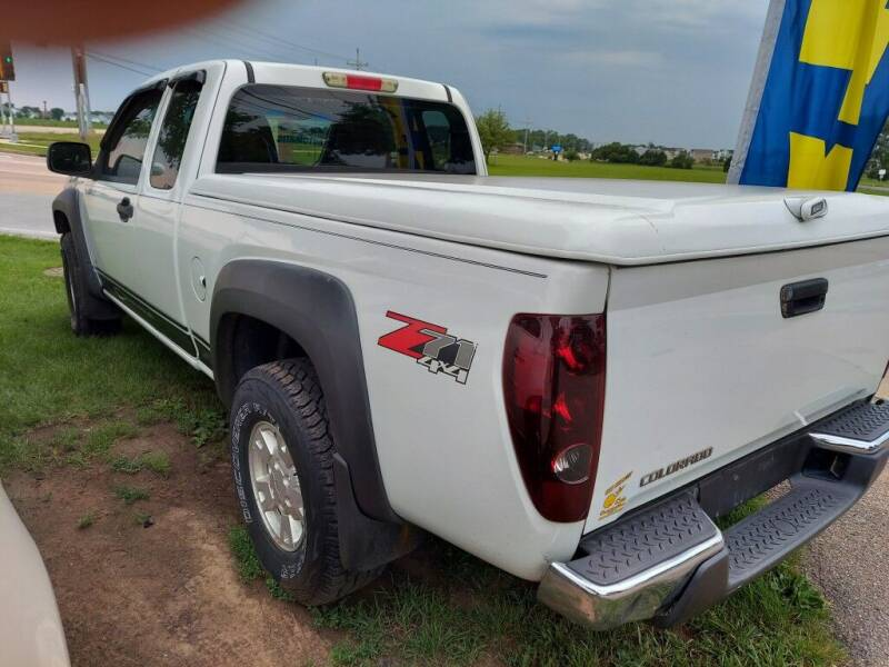 2006 Chevrolet Colorado for sale at Car Connection in Yorkville IL