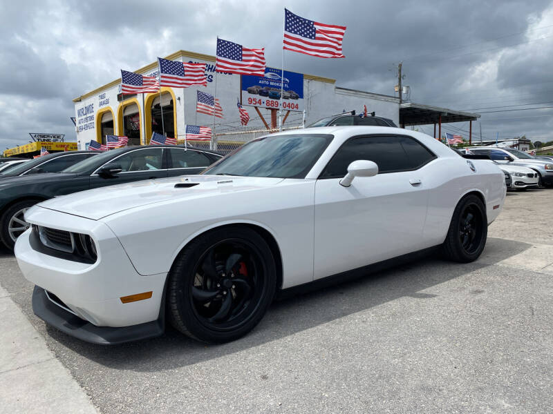 2013 Dodge Challenger for sale at INTERNATIONAL AUTO BROKERS INC in Hollywood FL