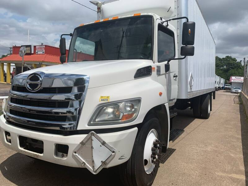 2013 Hino 258 for sale in Garland, TX