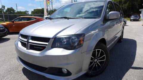 2016 Dodge Grand Caravan for sale at Das Autohaus Quality Used Cars in Clearwater FL