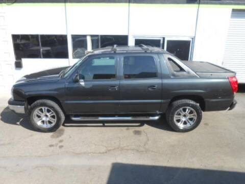 2005 Chevrolet Avalanche for sale at Rocket Car sales in Covina CA