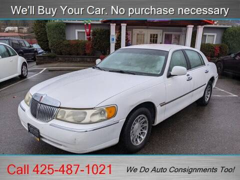 2000 Lincoln Town Car for sale at Platinum Autos in Woodinville WA