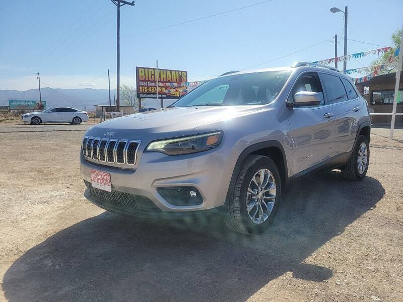 2019 Jeep Cherokee for sale at Bickham Used Cars in Alamogordo NM