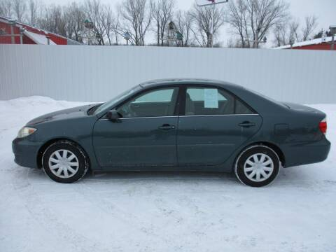 2006 Toyota Camry for sale at Chaddock Auto Sales in Rochester MN
