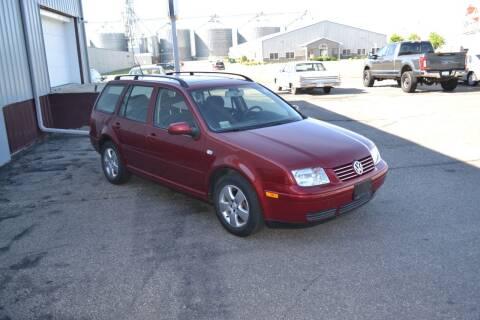 2005 Volkswagen Jetta for sale at Dave's Auto Sales in Winthrop MN