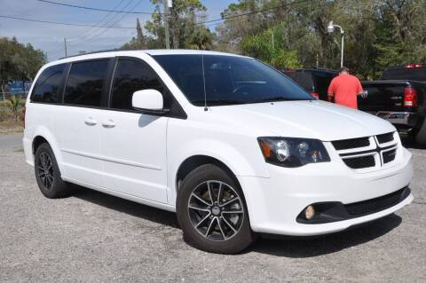 2017 Dodge Grand Caravan for sale at Elite Motorcar, LLC in Deland FL