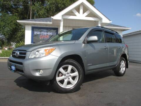 2007 Toyota RAV4 for sale at Blue Arrow Motors in Coal City IL