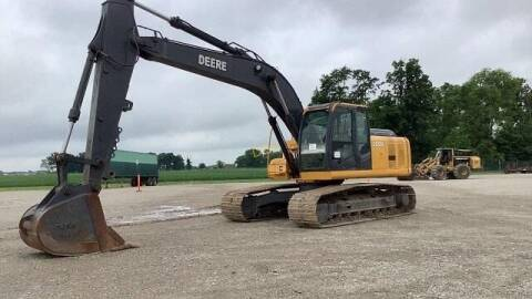 2008 John Deere 200D - CAB W/ A/C & HEAT for sale at Vehicle Network - Milam's Equipment Sales in Sutherlin VA
