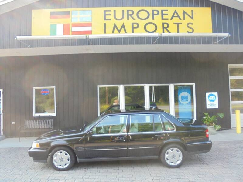 1998 Volvo S90 for sale at EUROPEAN IMPORTS in Lock Haven PA