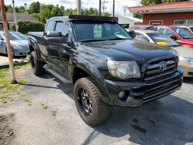 2011 Toyota Tacoma for sale at Ellis Auto Sales and Service in Middlesboro KY