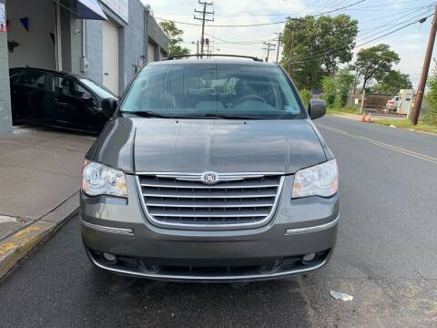 2010 Chrysler Town and Country for sale at SUNSHINE AUTO SALES LLC in Paterson NJ