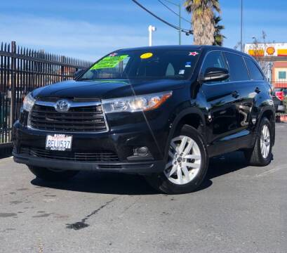 2016 Toyota Highlander for sale at LUGO AUTO GROUP in Sacramento CA