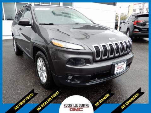 2016 Jeep Cherokee for sale at Rockville Centre GMC in Rockville Centre NY