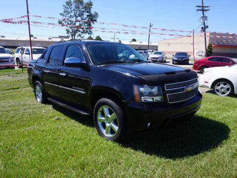 2013 Chevrolet Avalanche for sale at BLUE RIBBON MOTORS in Baton Rouge LA