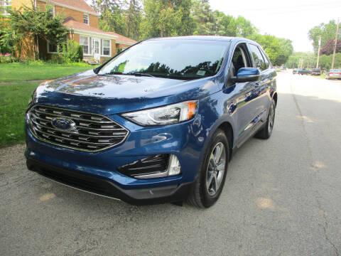 2020 Ford Edge for sale at Triangle Auto Sales in Elgin IL