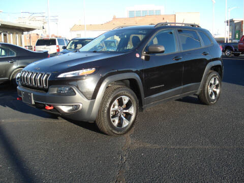 2015 Jeep Cherokee for sale at Shelton Motor Company in Hutchinson KS