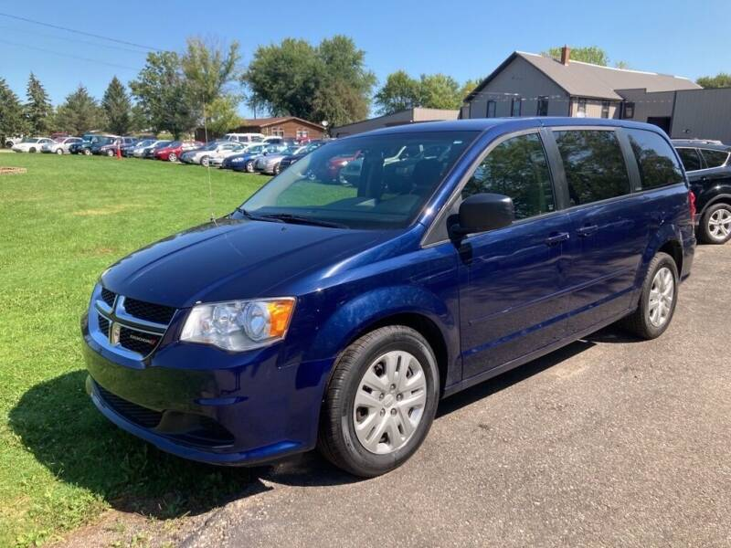 2016 Dodge Grand Caravan for sale at COUNTRYSIDE AUTO INC in Austin MN