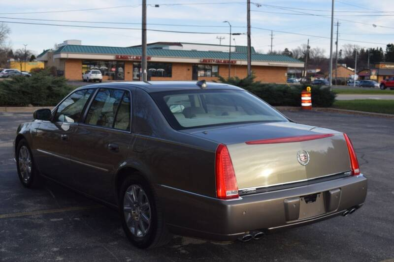 2011 Cadillac DTS Premium Collection 4dr Sedan - Waukesha WI