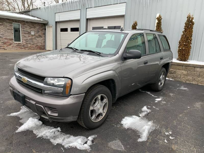 2007 Chevrolet TrailBlazer for sale at PREMIUM PRE-OWNED AUTOS in East Peoria IL
