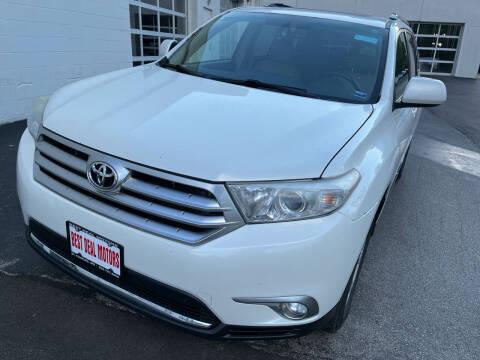 2012 Toyota Highlander for sale at Best Deal Motors in Saint Charles MO
