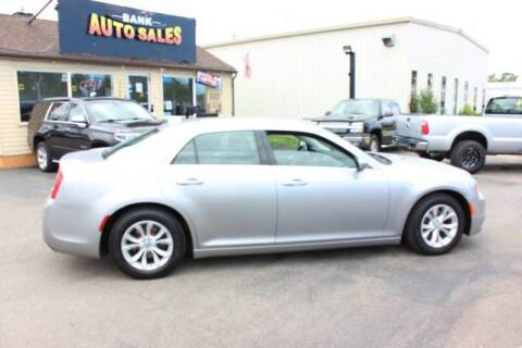 2015 Chrysler 300 for sale at BANK AUTO SALES in Wayne MI