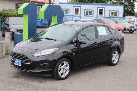 2015 Ford Fiesta for sale at BAYSIDE AUTO SALES in Everett WA