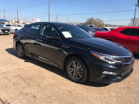 2019 Kia Optima for sale at Discount Auto Company in Houston TX
