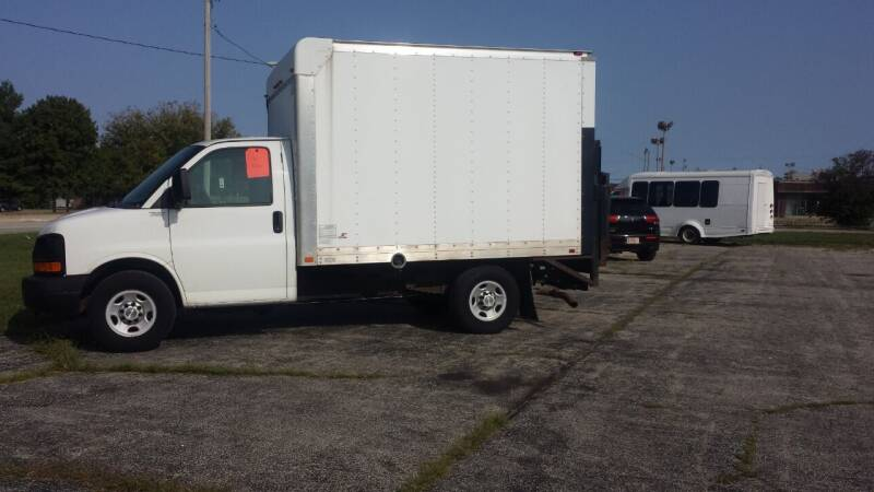 2014 Chevrolet Express Cutaway for sale at Caudle Motors in Forsyth IL