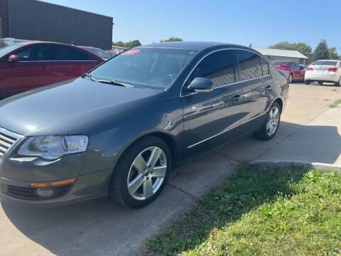 2009 Volkswagen Passat for sale at El Rancho Auto Sales in Des Moines IA