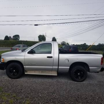 2005 Dodge Ram Pickup 1500 for sale at CAR-MART AUTO SALES in Maryville TN