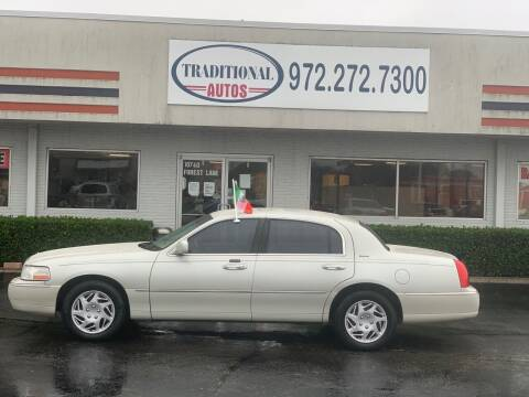 2006 Lincoln Town Car for sale at Traditional Autos in Dallas TX