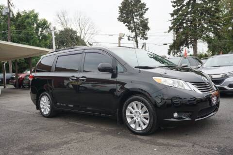 2013 Toyota Sienna for sale at HD Auto Sales Corp. in Reading PA