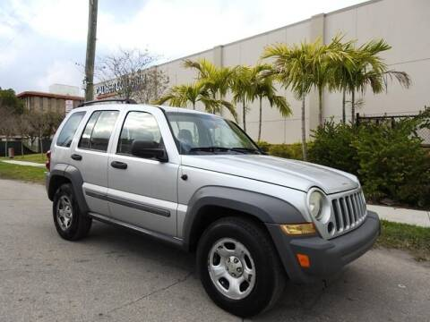 2005 Jeep Liberty for sale at SUPER DEAL MOTORS in Hollywood FL