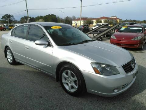 2006 Nissan Altima for sale at Kelly & Kelly Supermarket of Cars in Fayetteville NC