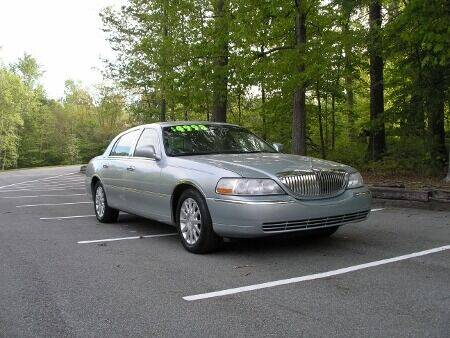 2007 Lincoln Town Car for sale at RICH AUTOMOTIVE Inc in High Point NC