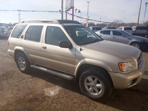 2002 Nissan Pathfinder for sale at Savior Auto in Independence MO