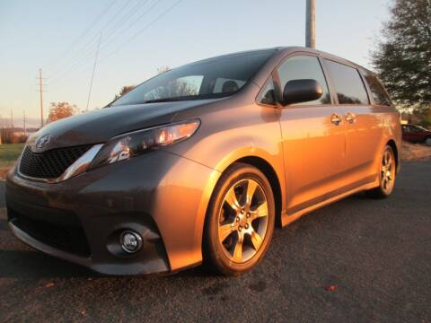 2011 Toyota Sienna for sale at Unique Auto Brokers in Kingsport TN