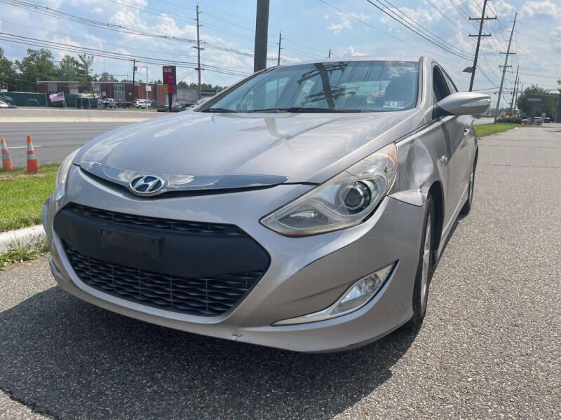 2013 Hyundai Sonata Hybrid for sale at Blue Star Cars in Jamesburg NJ